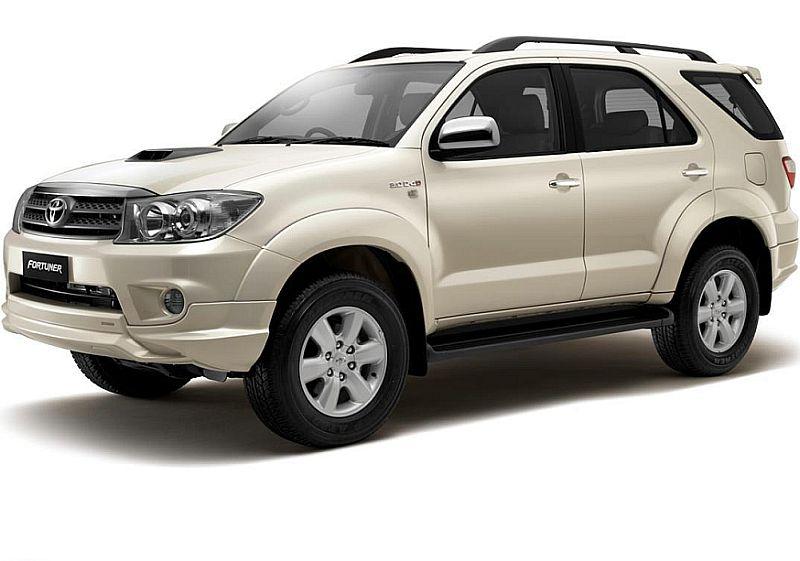 Toyota Fortuner เช่ารถเชียงใหม่ ราคาถูก ศูนย์บริการรถเช่ารถในเชียงใหม่ Thecarrente Chiangmai